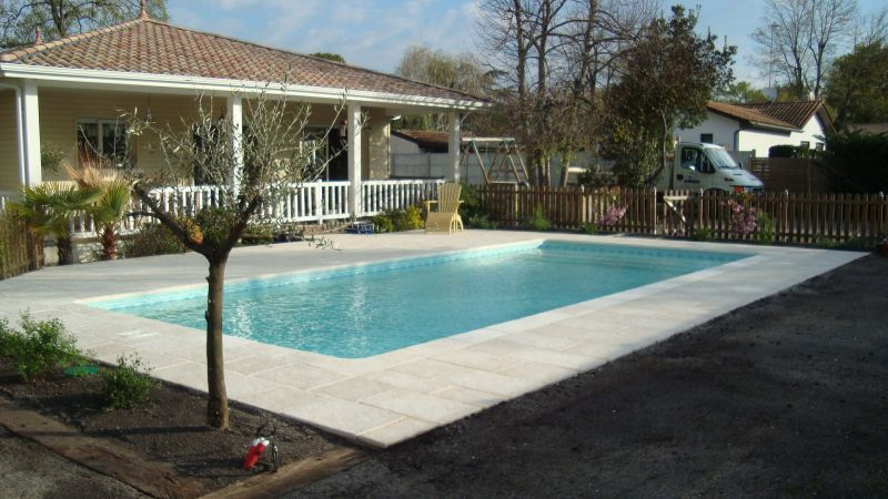 piscine rectangulaire construction traditionnlle